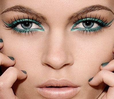 15 Awesome Eyeliner Tricks!