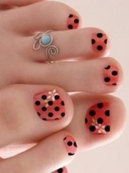 cute-toe-nail-art-1