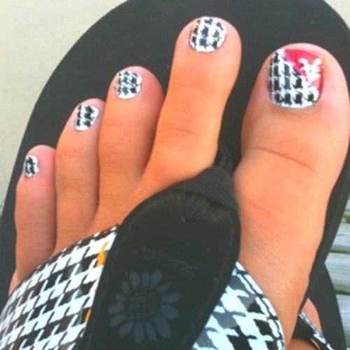 cute-toe-nail-art-15