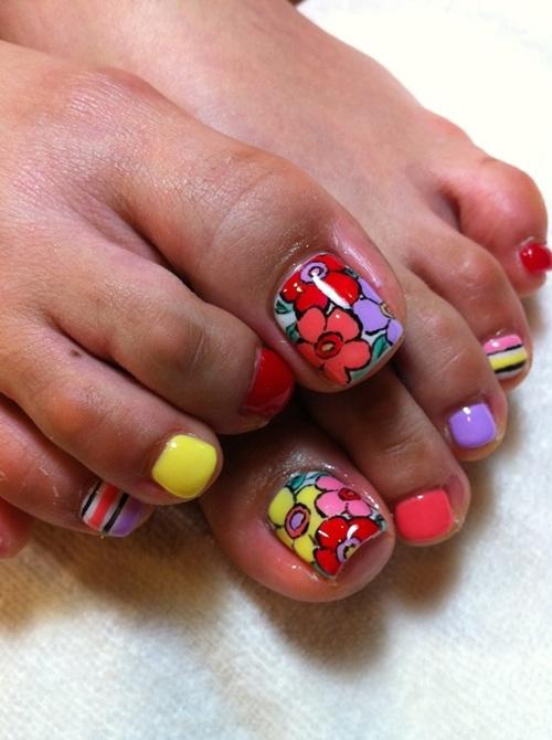 cute-toe-nail-art-16