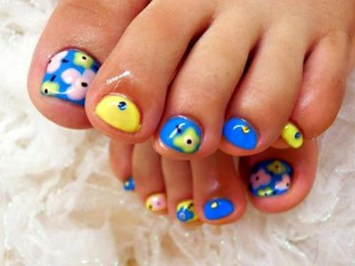 cute-toe-nail-art-18