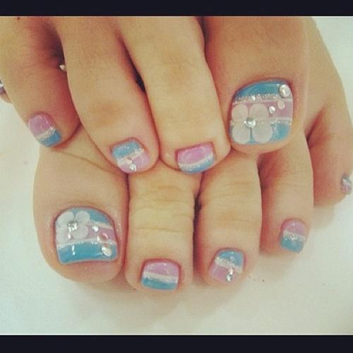 cute-toe-nail-art-9