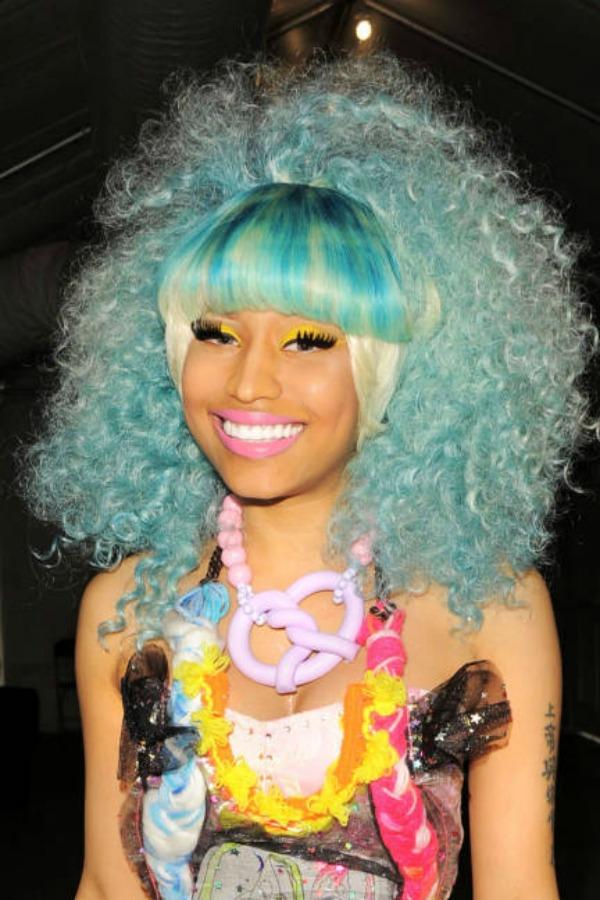 elle-nicki-minaj-best-beauty-looks-September-2011-Betsey-Johnson-Spring-2012-show-xln-lgn
