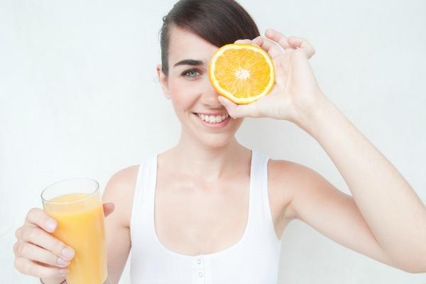 what-are-the-health-benefits-of-orange-juice-824969968-sep-18-2012-1-600x400