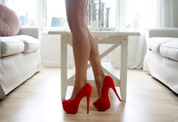 Red hot heels (1)