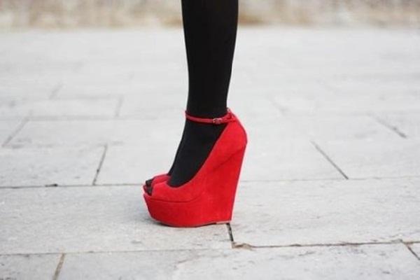 Red hot heels (17)