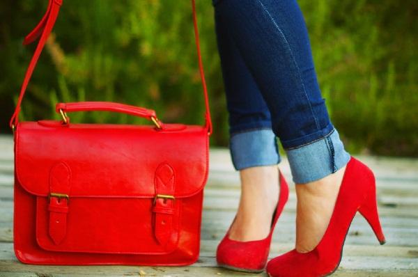 Red hot heels (18)
