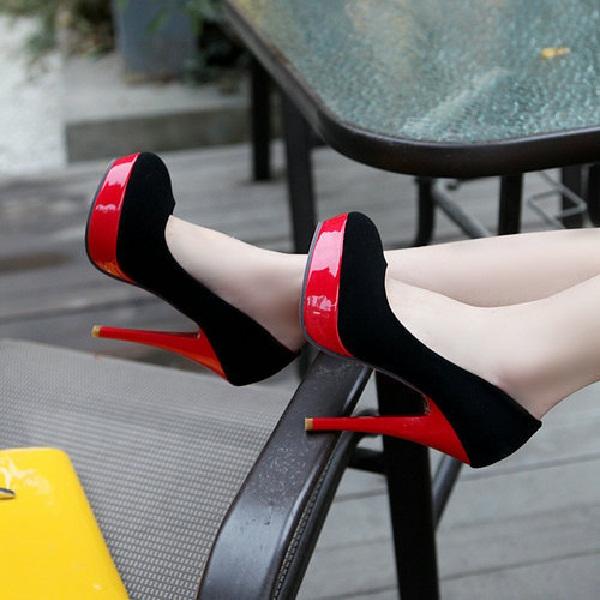 Red hot heels (2)
