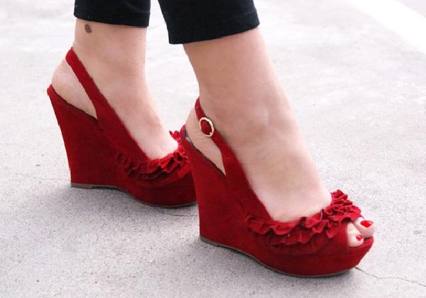 Red hot heels (20)