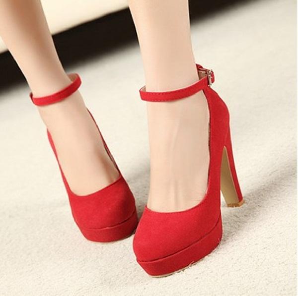 Red hot heels (23)