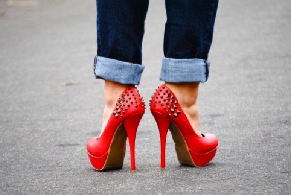 Red hot heels (25)