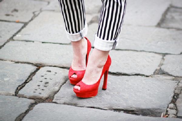 Red hot heels (26)