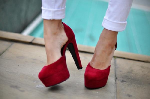 Red hot heels (27)