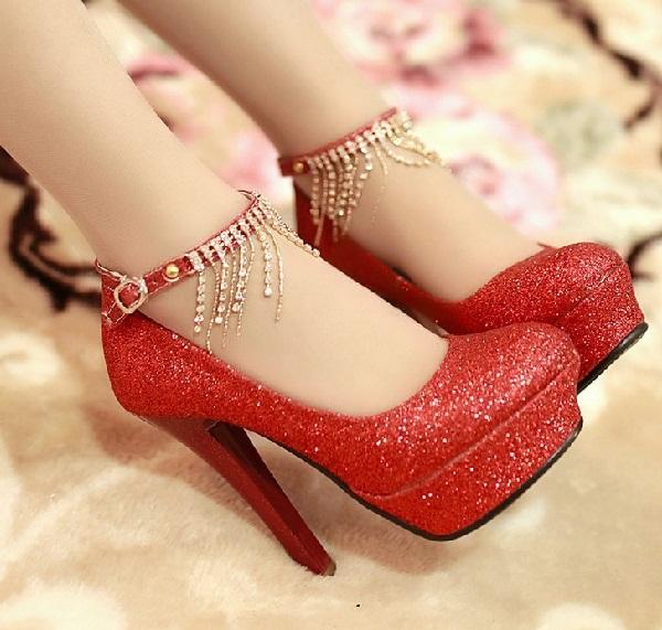 Red hot heels (4)