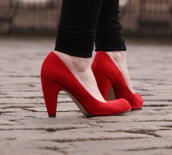 Red hot heels (8)