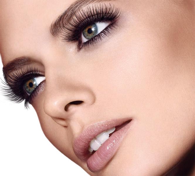 expert-tools_eyelash-curler_model-shot_143108